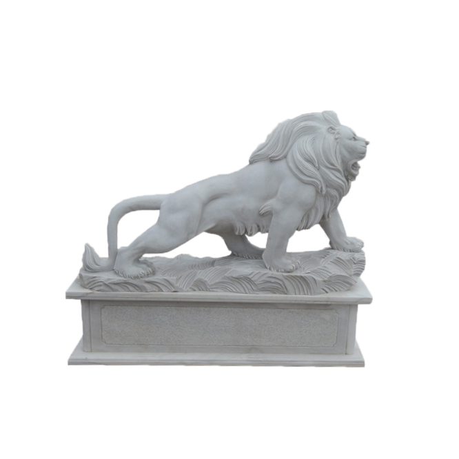 Life size sitting lion statue Featured Image