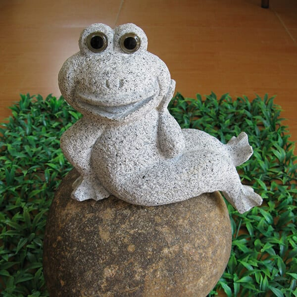 Carving stone decorative frog sculpture Featured Image