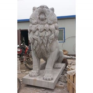 Life size sitting lion statue